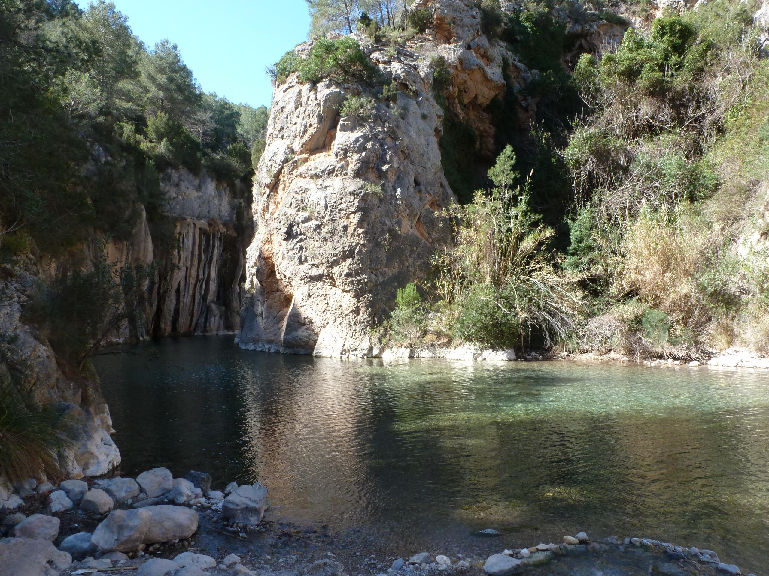 Montanejos los estrechos embalse de arenoso la cueva negra los ba os senderismo - Fuente de los banos montanejos ...